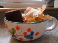 kitchen compost bowl