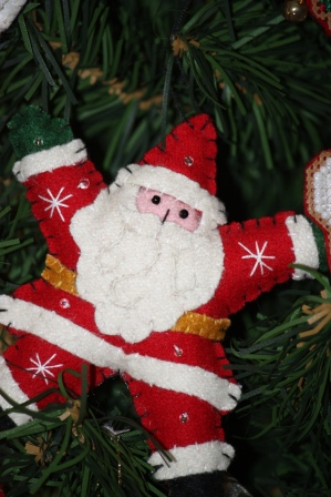 Handmade (not by me) Santa