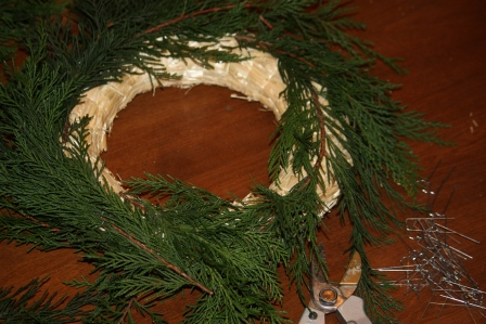 Straw frame circle wreath