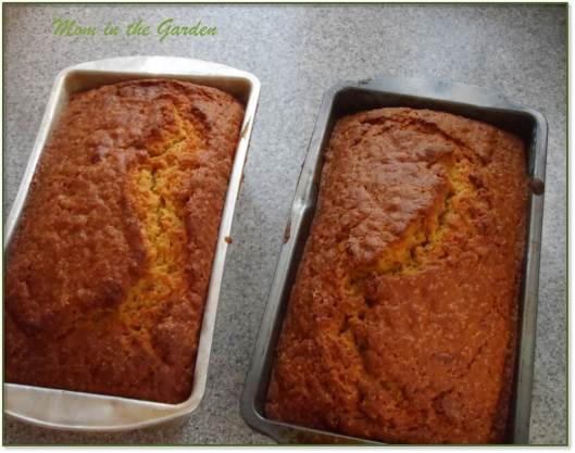 Finished baked pumpkin bread