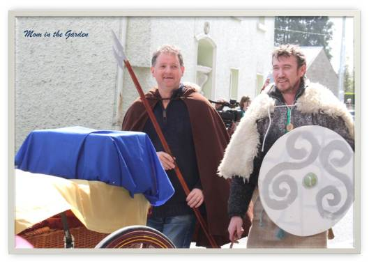 Supporters of Brian Boru following the carriage with Brian Boru's remains from Clontarf to the Cathedral in Armagh