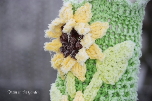 frosty crocheted sunflower
