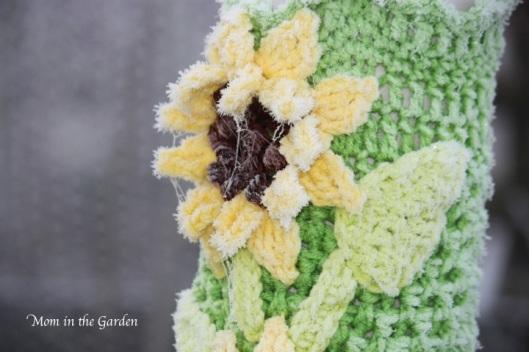 frosty crocheted sunflower