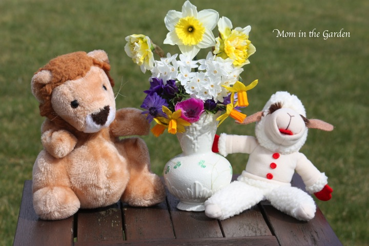 Lion Lamb Spring Bouquet
