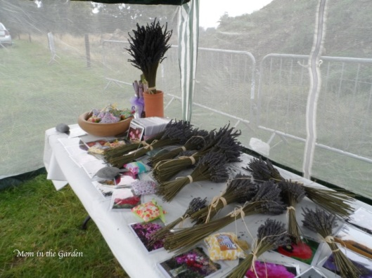 dried lavender bouquets, wands & sachets