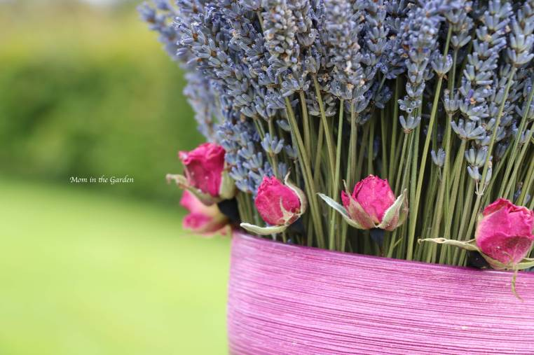 dried lavender and dried roses