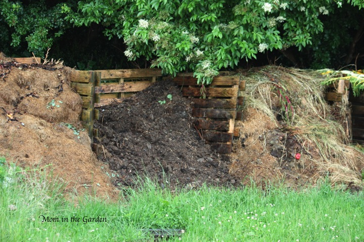 different piles of compost based on different ages