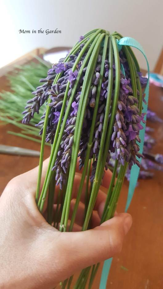 lavender wand with stems folded over