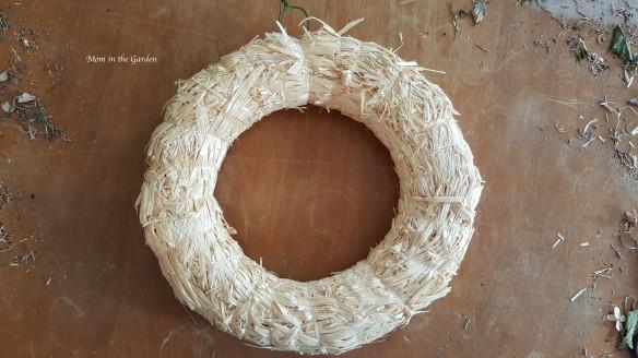 straw wreath frame