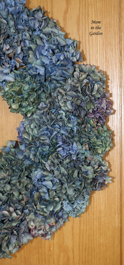 Side view inside hydrangea wreath